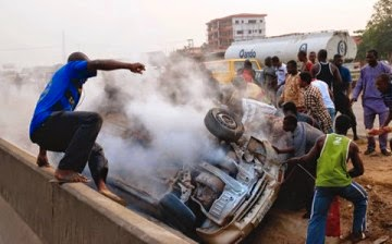 accident TRAGIC: 14 Passengers Burn To Death In Accident In Kwara