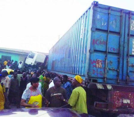 truck crushes 7 to death new garage ibadan